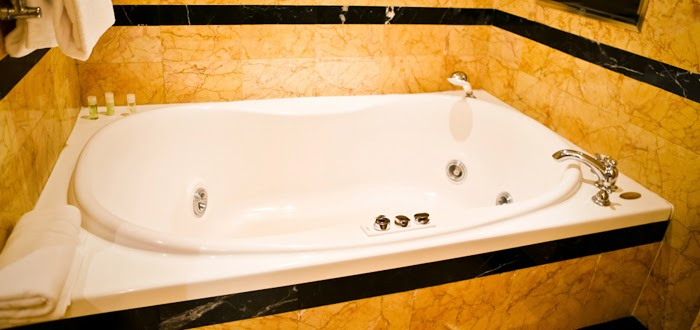 Jacuzzi Bathtub India | Buy Bathroom Accessories Online - Pumpkart.com