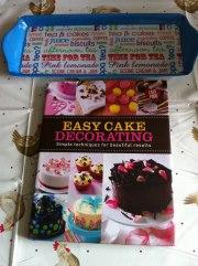 Easy Cake Decoration Ebook : Grasshopper cake Charlene Flash