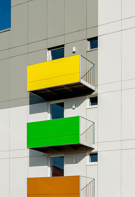 colorful architecture, color balcony, modular architecture, modular photography, pattern architecture, pattern colored architecture, terrace colorful, deck photography architecure, primary color architecture