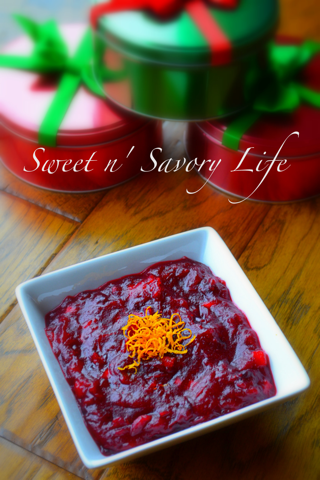 The perfect homemade cranberry sauce with apple & cinnamon complements ...