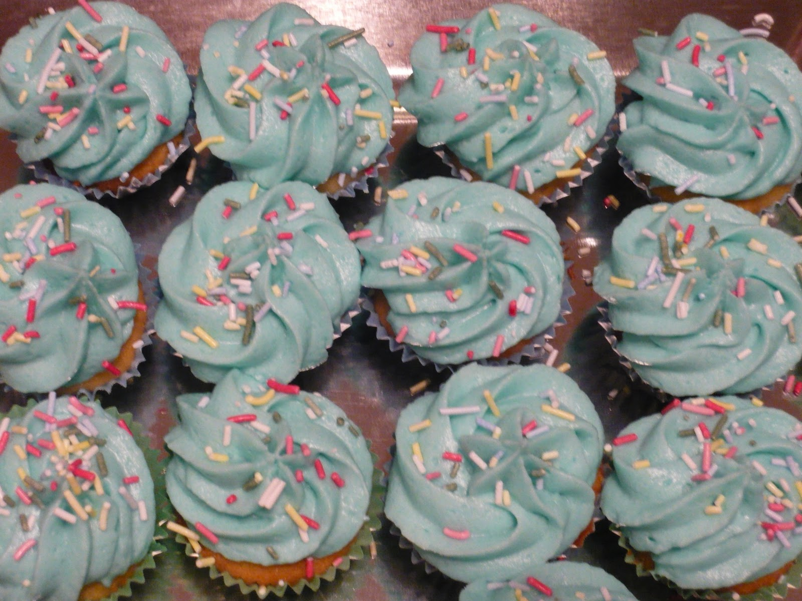Cake Decorating Classes Dundee : Becca Bakes: Blue is the new pink