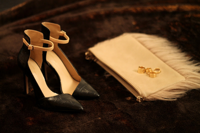zara pointy heels, fur clutch from Blanco