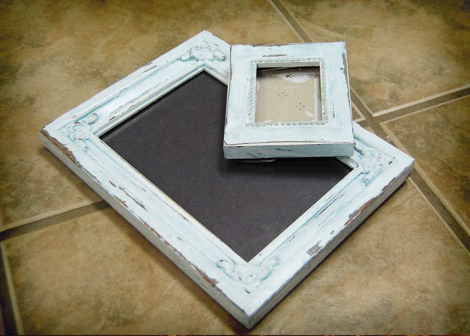 diy distressed wood picture frames | secondtofirst.com
