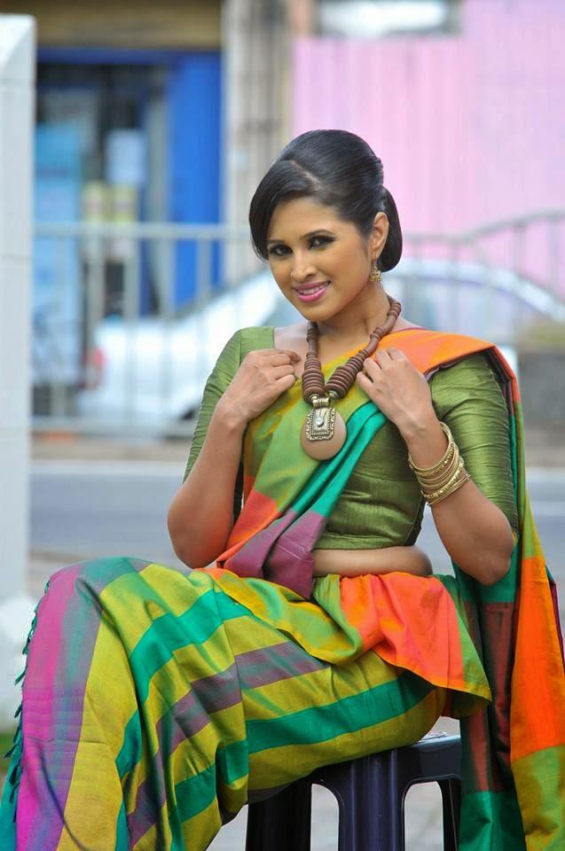 Kandyan Saree Style - Kandyan Saree Designs