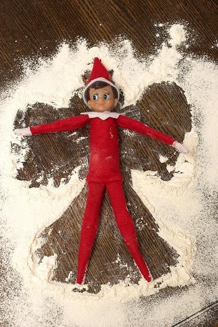 http://indulgy.com/post/HX4MYSdjb1/elf-snow-angel