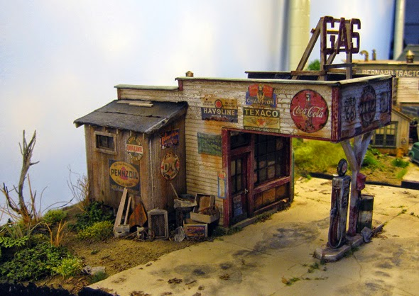 Modeling maine in narrow gauge fos scale models new o for Garage kits maine