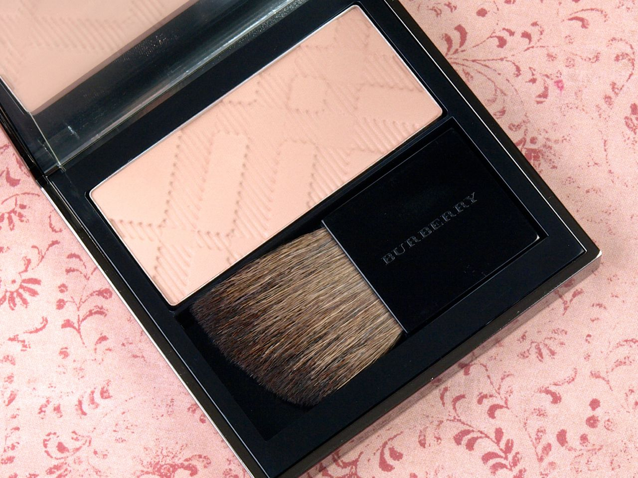 Burberry Fall/Winter 2014 Makeup Collection: Review