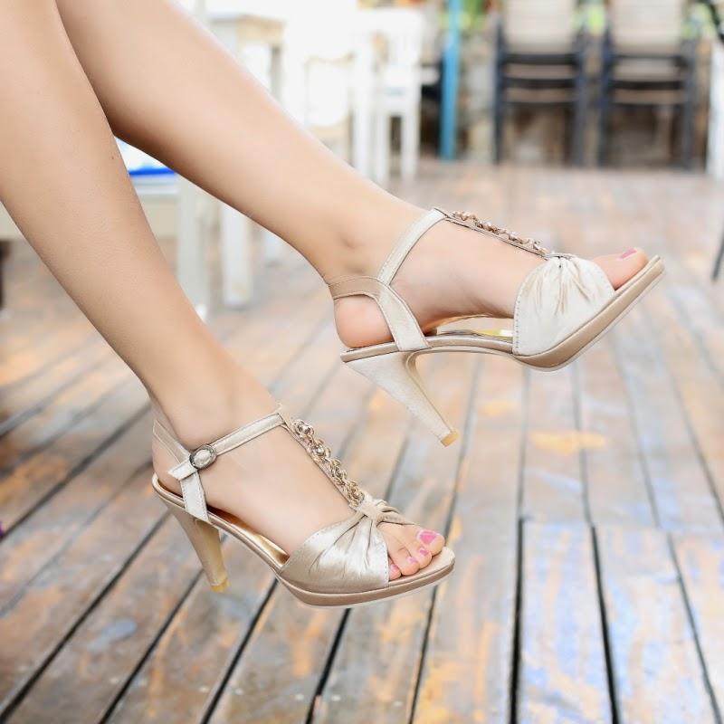 http://www.dresswe.com/platform-sandals-103881/