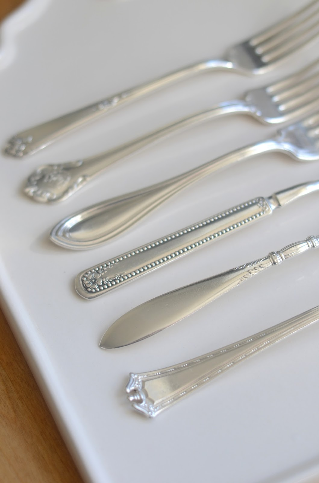 how to clean stainless flatware