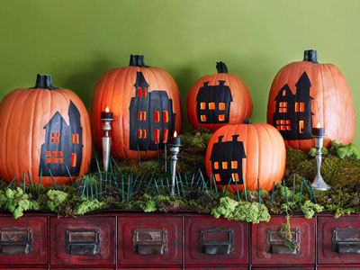 Inside the brick house cute ways to decorate your pumpkins for Ways to decorate your house for halloween