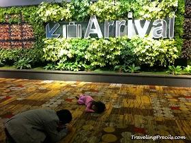Nyamannya Transit di Bandara Changi Singapura