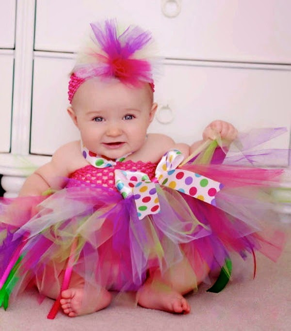 Gambar bayi lucu dan imut pakai baju tutu dress model terbaru