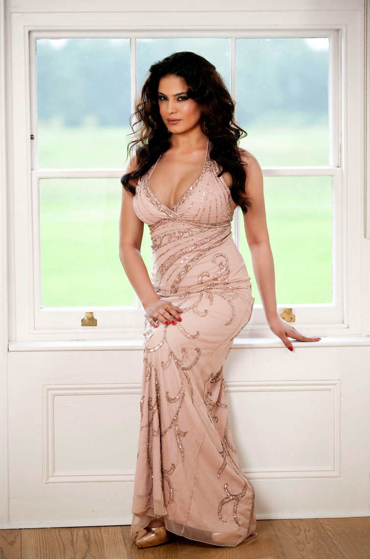 Veena Malik Wedding http://news-andy-whitfield.blogspot.com/2011/12/veena-malik-wedding.html