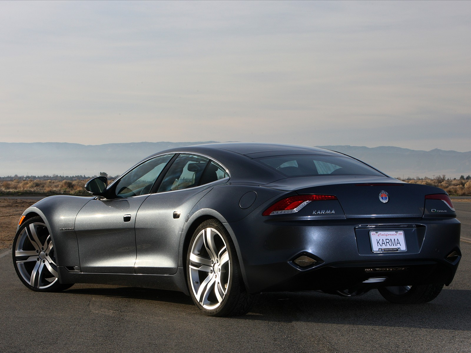 car pictures fisker karma 2010. Black Bedroom Furniture Sets. Home Design Ideas