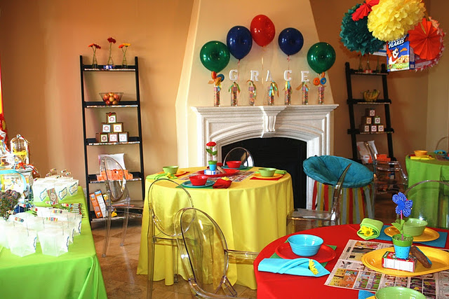 Meet and eat baby shower the paper heart studio i love all the cool color and all the comics used as a backgroundbut my absolute favorite part of this party is that it is in a normal home m4hsunfo