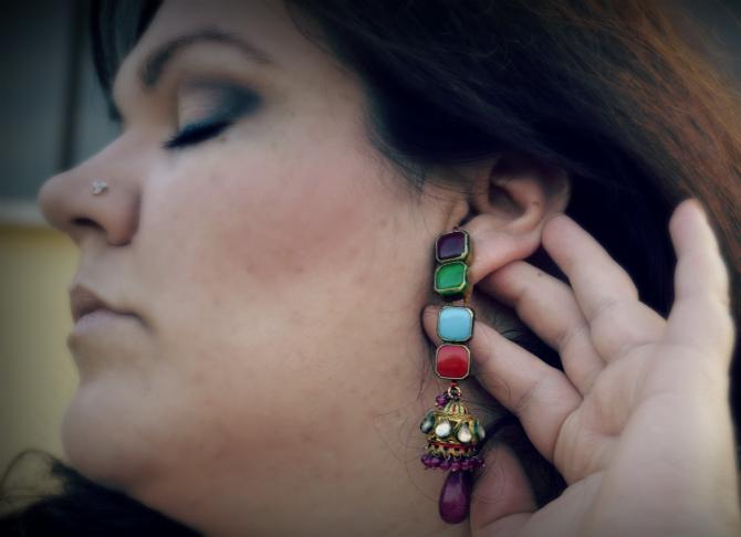 dettaglio orecchini indiani