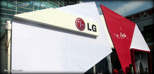 The rather huge LG Fiesta showcase in front of The Curve