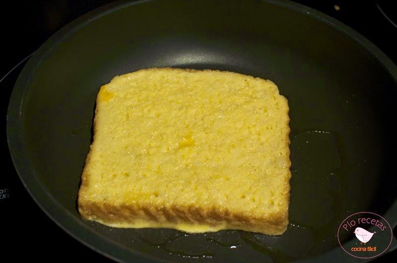 tostada francesa en la sartén