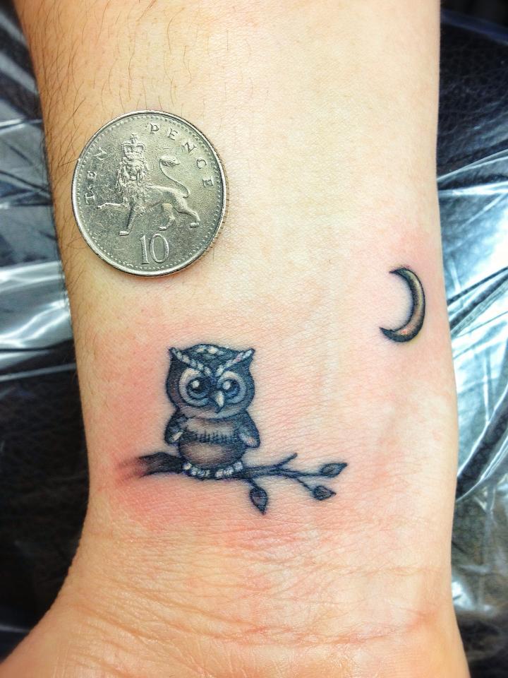 FANTÁSTICO MUNDO DA PRI : tatuagem coruja