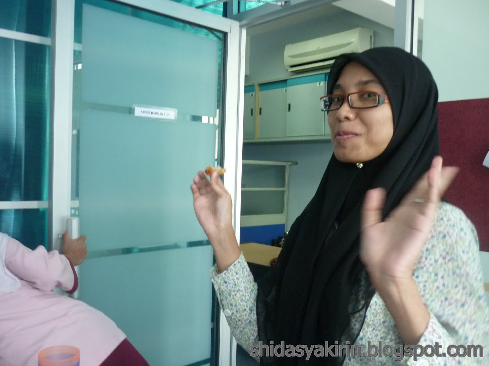 "teluk intan black singles Teluk intan dap has today launched a ""save gerakan, vote against redelineation"" campaign in teluk intan, urging gerakan president to vote against the ."