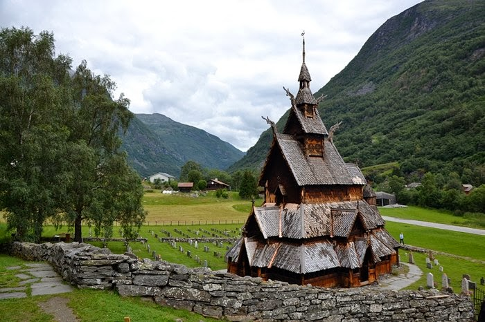 churches in Norway called stavkirka