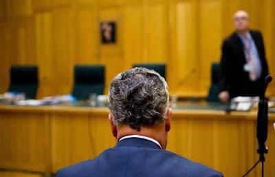 Ex-advocaat Bram Moszkowicz uit ambt gezet