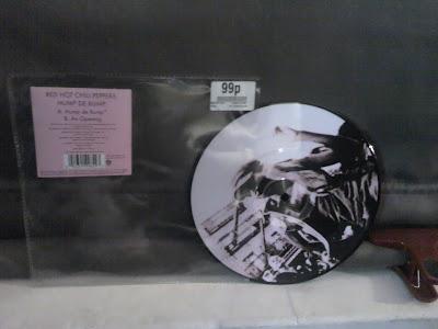 Red_Hot_Chili_Peppers-Hump_De_Bump-(W763)-VINYL-2007-XXS