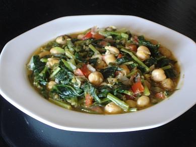 ... Greek Recipes: Greek Chickpeas with Spinach (Revithia me Spanaki