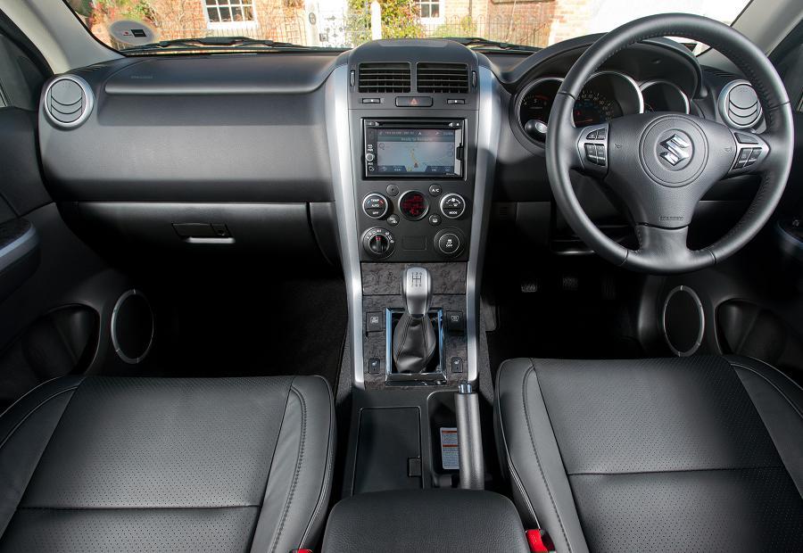 Autoesque  2013 Suzuki Grand Vitara