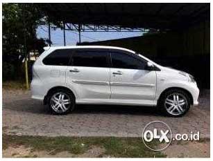 Mobil Bekas Jakarta Murah : Toyota Avanza Veloz Putih 2013
