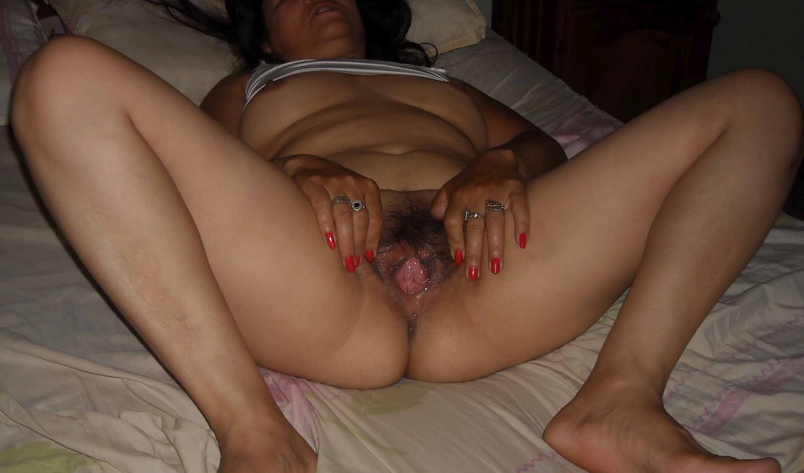 Mi esposa desnuda mientras duerme -