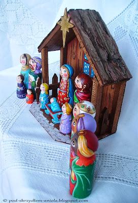 Szopka bożonarodzeniowa Święta Rodzina kołyska stajenka serce Jezus Chrystus Maryja Józef Trzej Królowie pasterze anioł gwiazdka