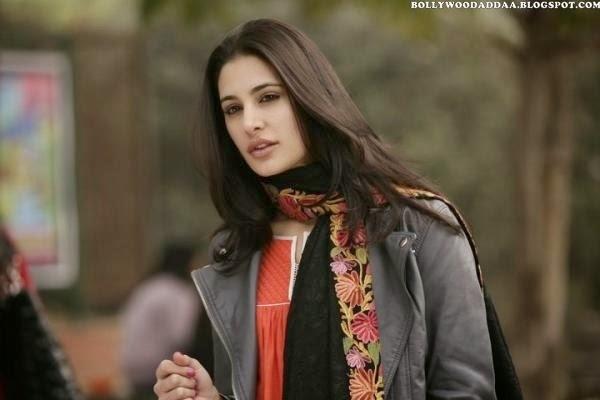 Nargis Fahkri :Nargis Fahkri Latest Hot Unseen Rare Pics [HD]