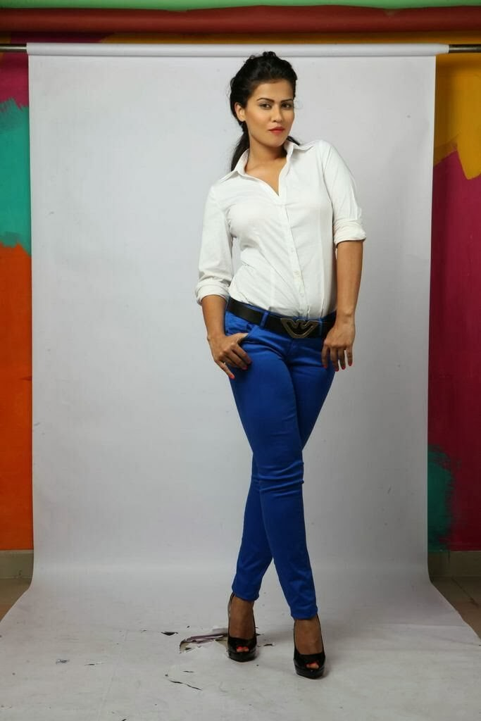 Glamorous Sharmila mandre photoshoot gallery in tight jeans ...