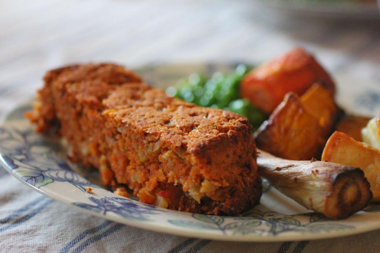 golden beetroot nut roast, creamy leeks and a busy week