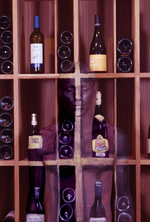 02-Wine-Rack-Body-Paint-Johannes-Stötter-Musician-Fine-Art-Body-Painter-www-designstack-co