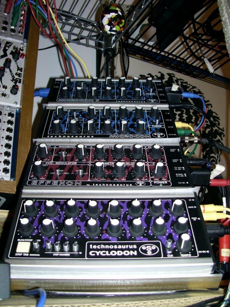 Matrixsynth Technosaurus Small Wonders Synthesizer Collection