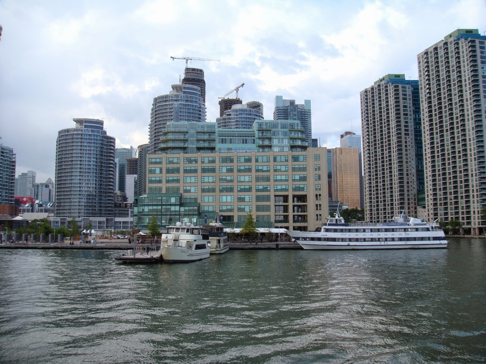 Toronto Harbourfront Condos Sale/Rent