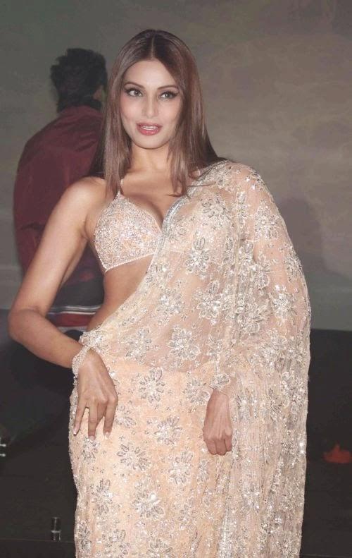 Bipasha Basu Bikini Blouse Low Waist Saree Photos