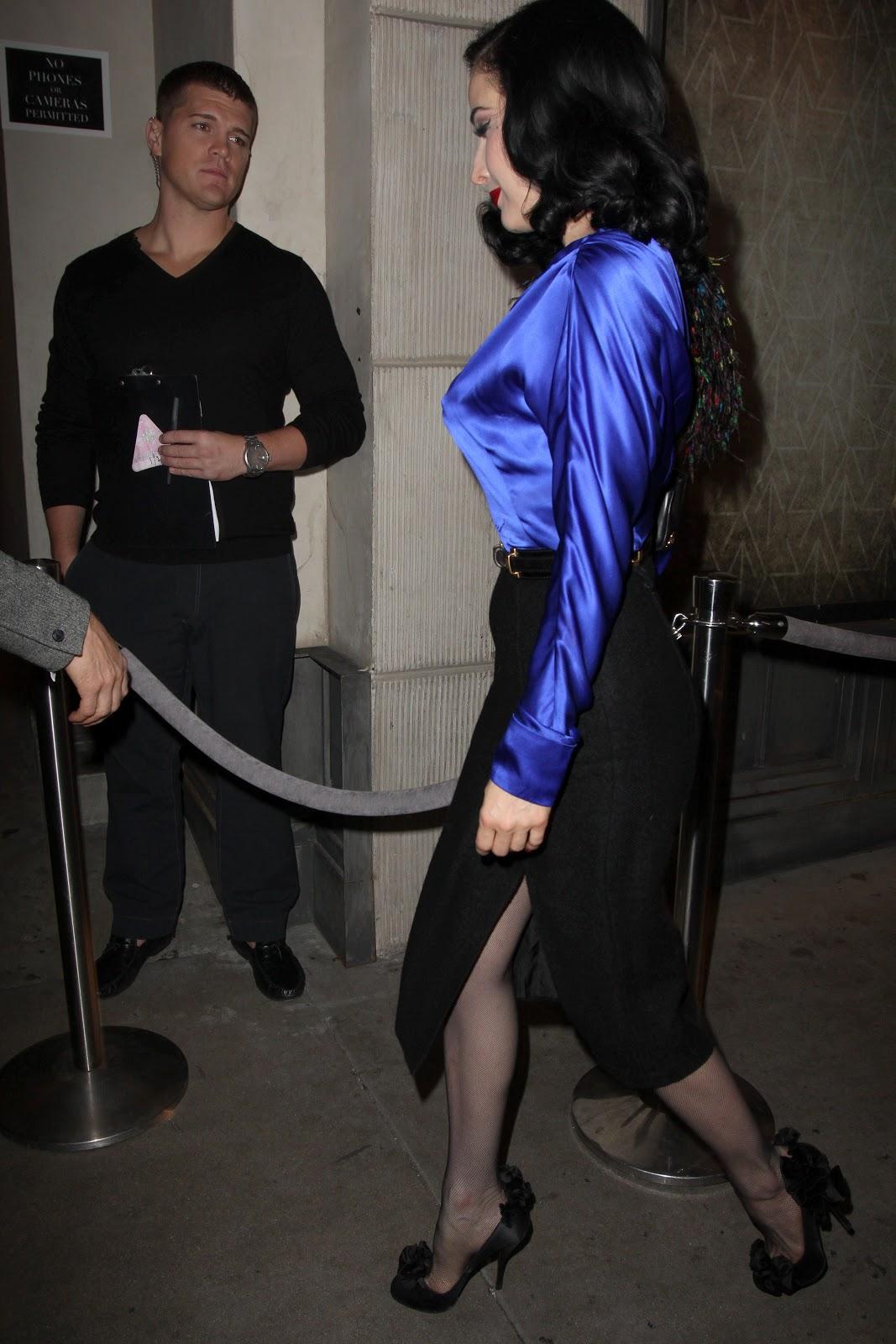 http://1.bp.blogspot.com/-98vwNI2eQnQ/UKpv8wTZ48I/AAAAAAABTOQ/iSZiXL9WXOg/s1600/celebrity-paradise.cojcy5l.jpg