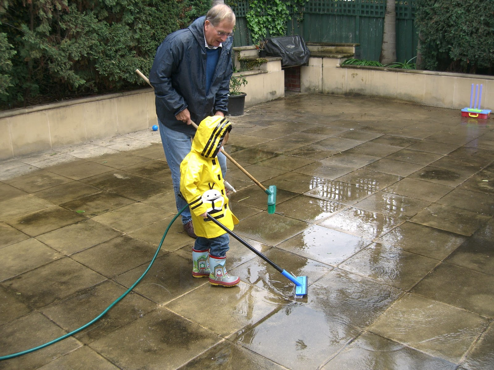 Cleaning concrete patio slabs regal concretes scunthorpe for Deck and concrete cleaner