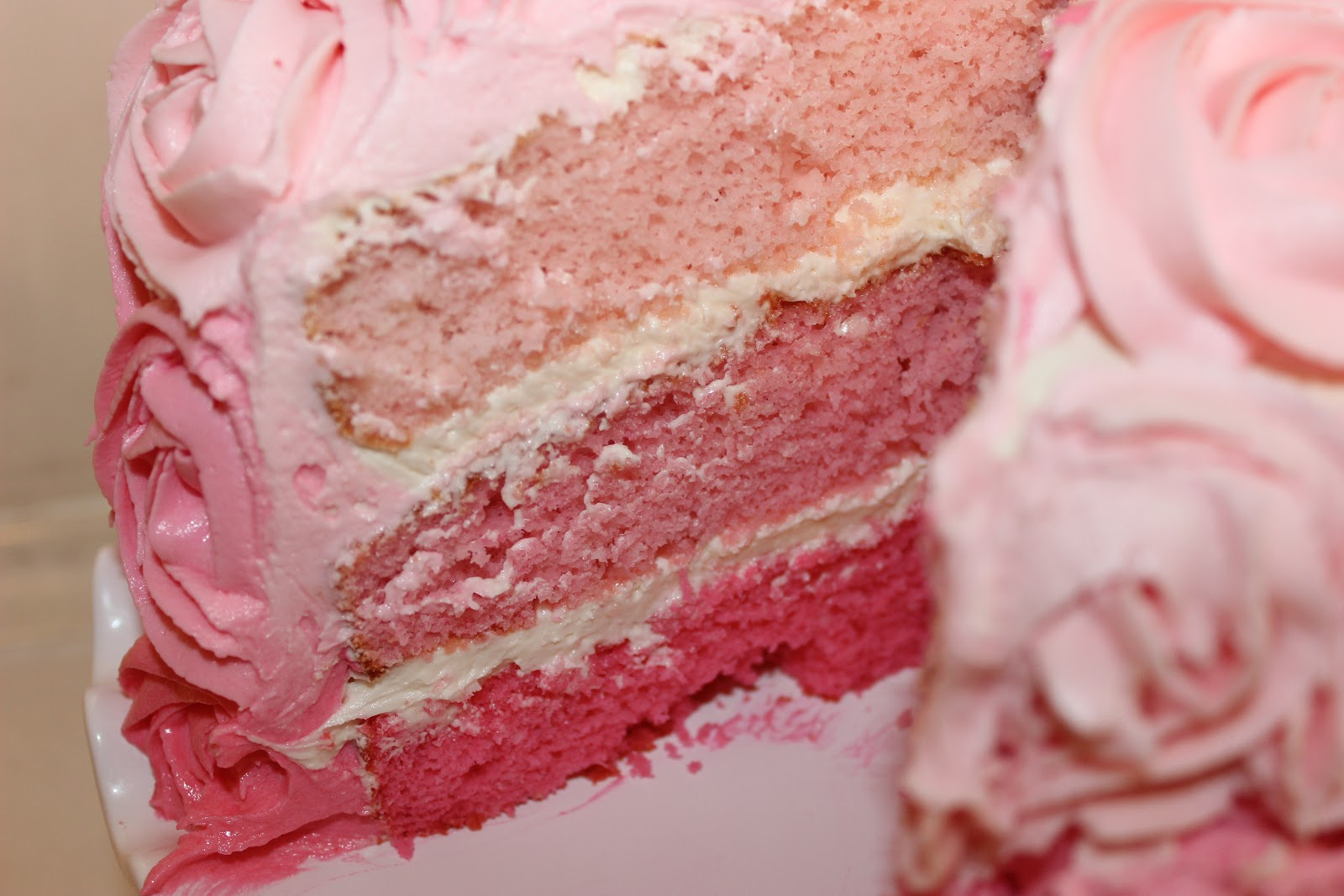 Swirly Sweet Cupcakes: Pink Champagne Cake and Cupcakes