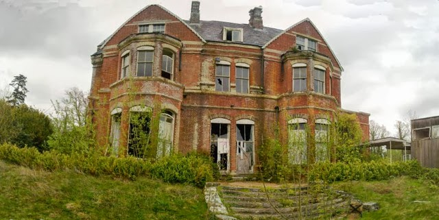 Of The Most Fascinating Abandoned Mansions From Around The World