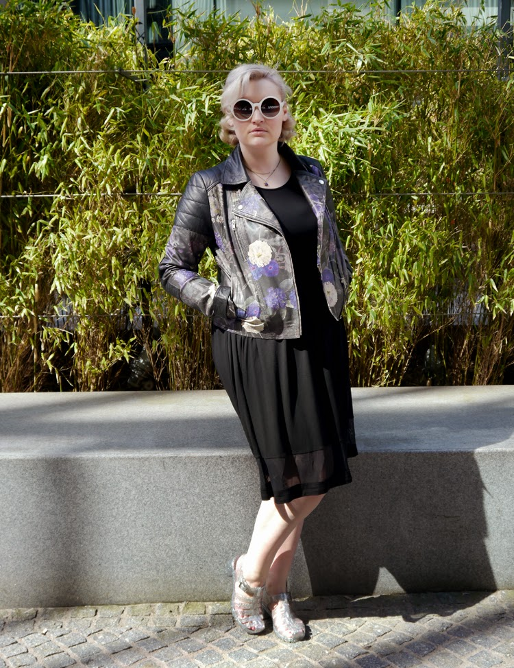 Secret Garden, leather, floral, maternity, plus size, fbloggers, #scotstreetstyle, style, fashion, street style, rockabilly