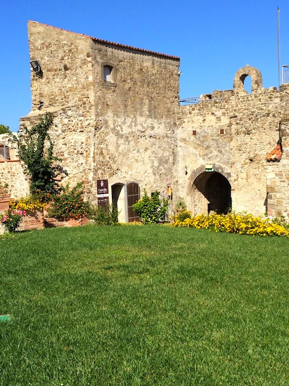 Cilento_Agropoli_Campania_Italy_travel_sea_Castle_holiday