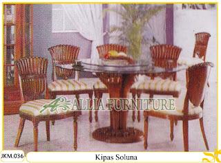 Kursi dan Meja Makan Ukiran Kayu Jati Kipas Soluna