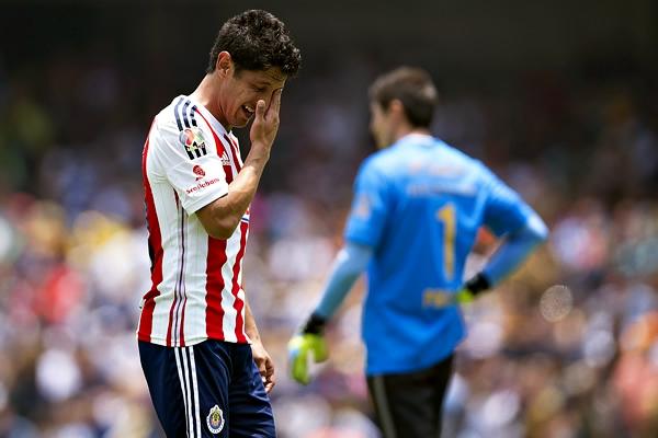 Reyna fue expulsado ante Pumas por doble amonestación al minuto 76.