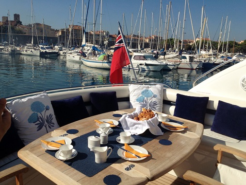 Breakfast on luxury Sunseeker Rehab