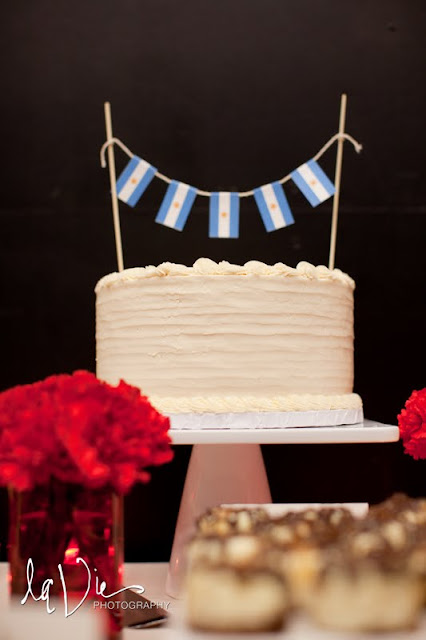 MN Wedding Cake with Bunting