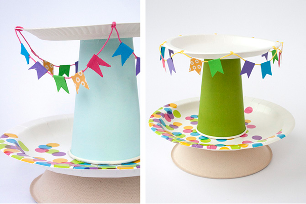 Diy soporte para cupcakes con platos de papel for Diy decoracion cumpleanos